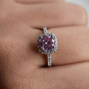 Jewelry - HOST PICK💫Pink and silver  ring